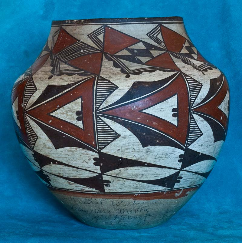 Vintage Laguna Pottery from the Ed Wade Collection