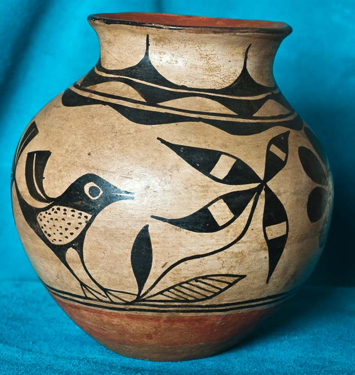 Vintage Santo Domingo Bird Pot